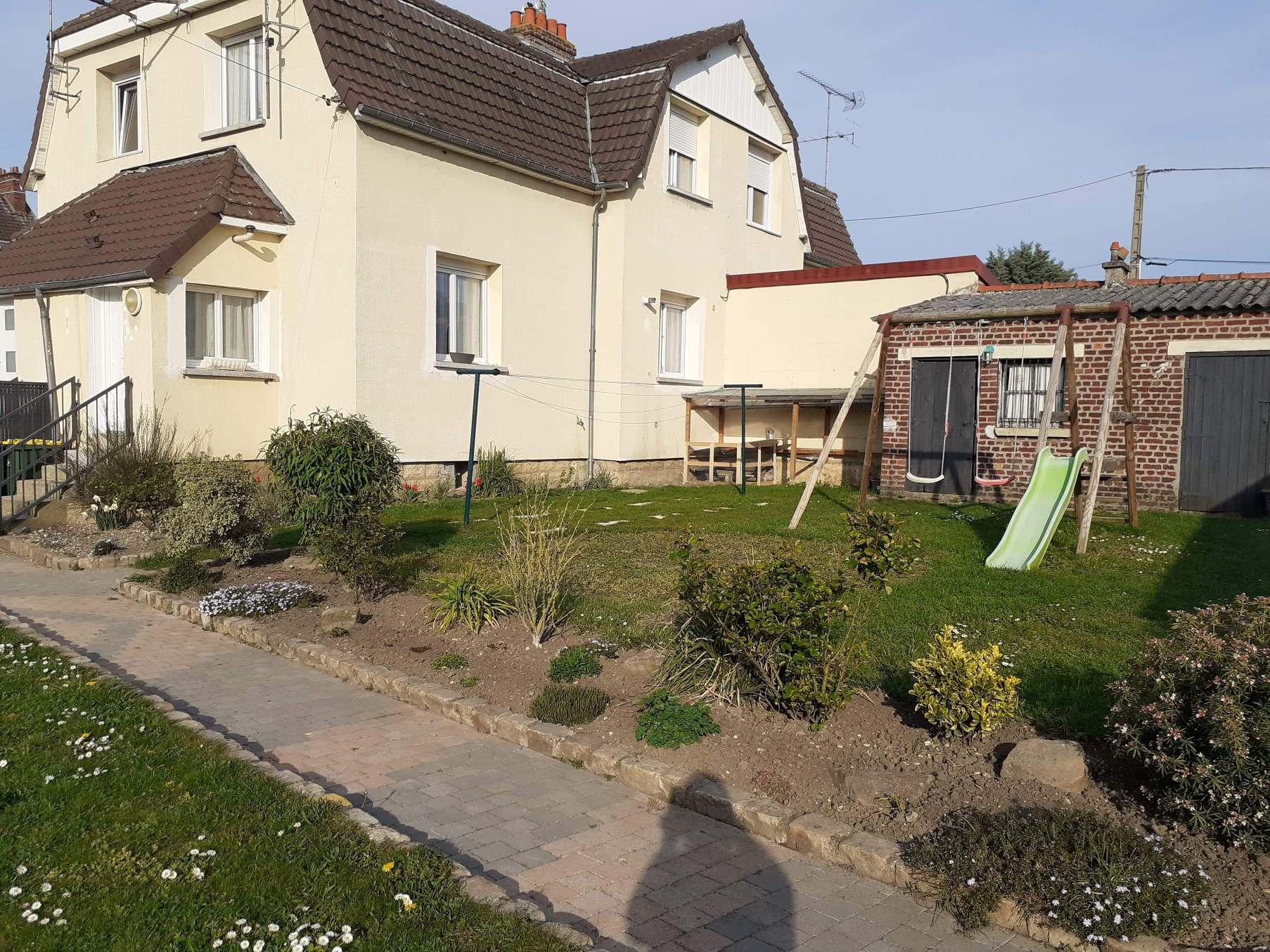 vente LONGUEAU maison avec jardin